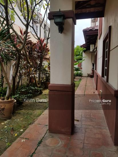BUNGALOW IN KOTA DAMANSARA GATED AND GUARDED FOR SALE  153914816