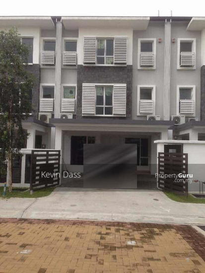 USJ HEIGHTS TWO AND A HALF STOREY FOR SALE  153981463