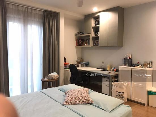 USJ HEIGHTS TWO AND A HALF STOREY FULLY RENOVATED CORNER FOR SALE  153990192