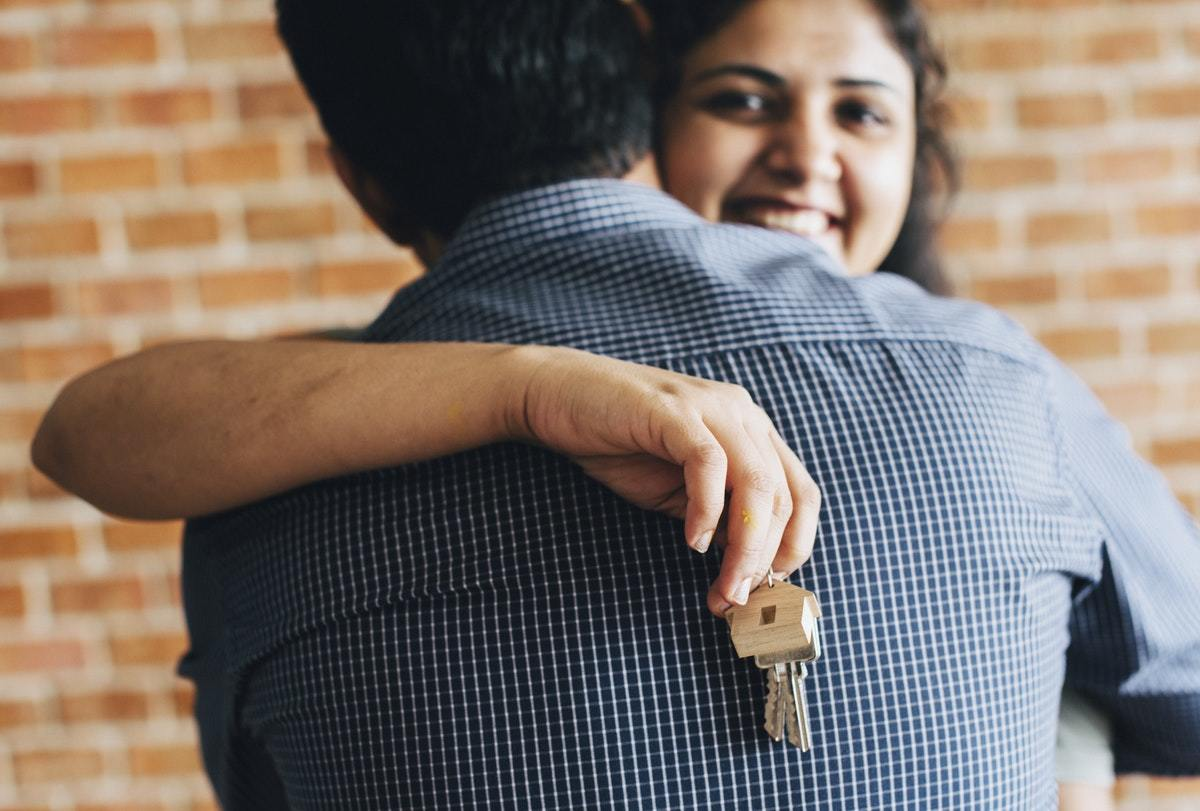 ea703dbb1464 Young couple buy a house in Malaysia after research on Malaysia real estate  - PropertyGuru Malaysia