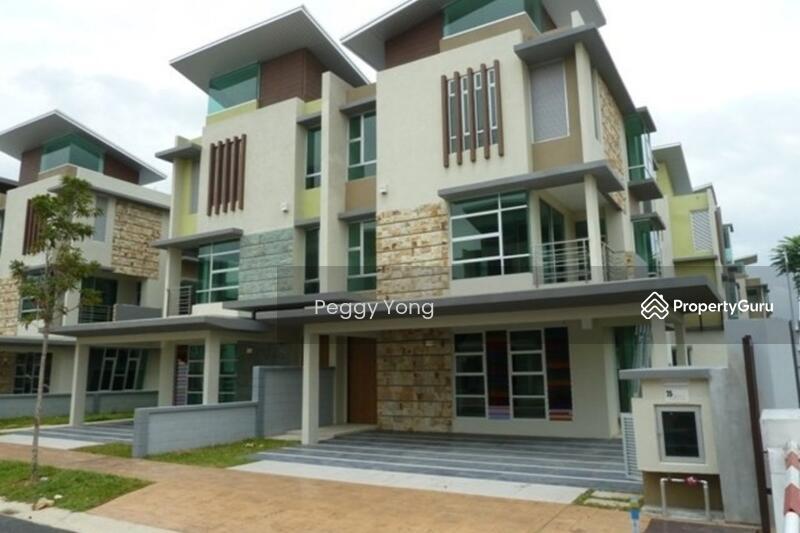 Tiara Putri Bukit Rahman Putra #127822830