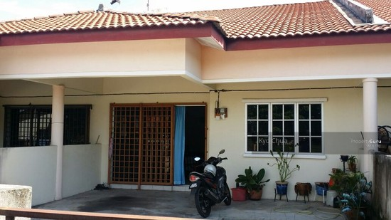 Single storey terrace house in seri klebang ipoh perak for 3 storey terrace house for sale