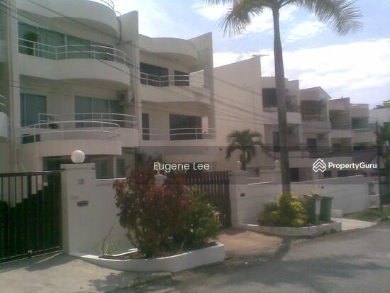 3 storey terrace house in batu ferringhi batu ferringhi for 3 storey terrace house