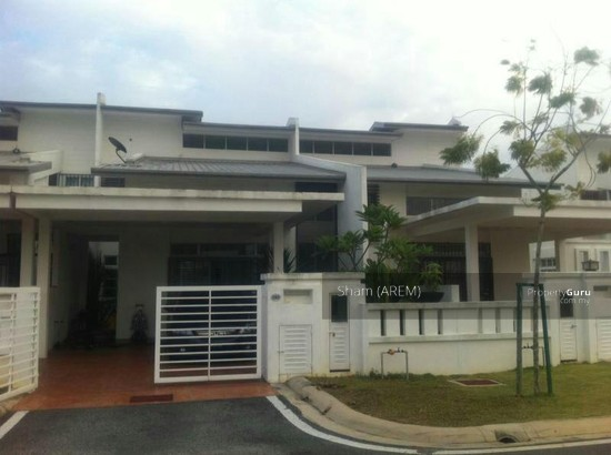 1 1 2 storey terrace house nilai nilai negeri sembilan for 2 storey house for sale
