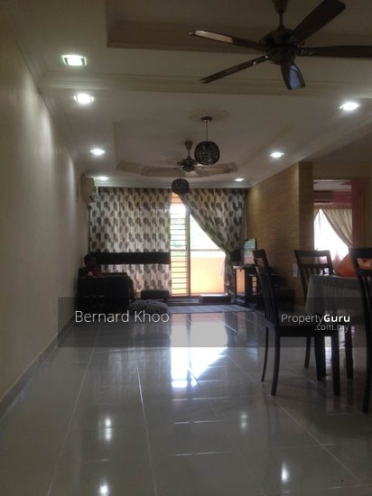Villa Putra Condominium For Sale