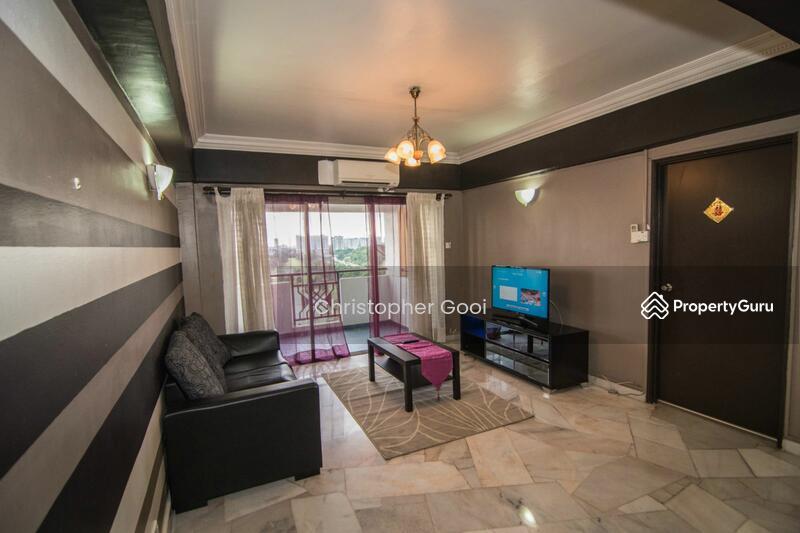 Shang Villa Jalan Ss7 15 Kelana Jaya Petaling Jaya Selangor 4 Bedrooms 1380 Sqft