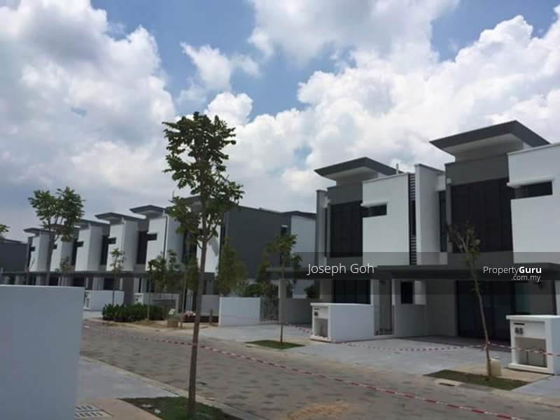Sunway montana 3 story house brand new freehold sunway for Three story house for sale