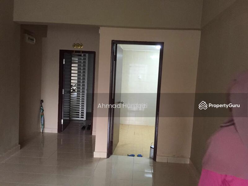 Putra Intan Condo Dengkil Near Putrajaya Dengkil Selangor 3 Bedrooms 974 Sqft Apartments