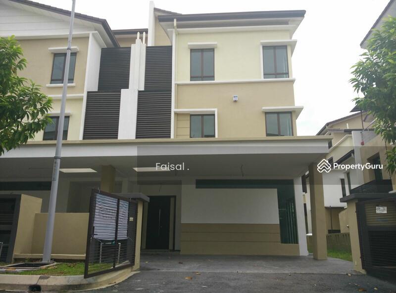 Rumah Semi Detached 3 Tingkat Taman Tropika 2 Kajang 90433976