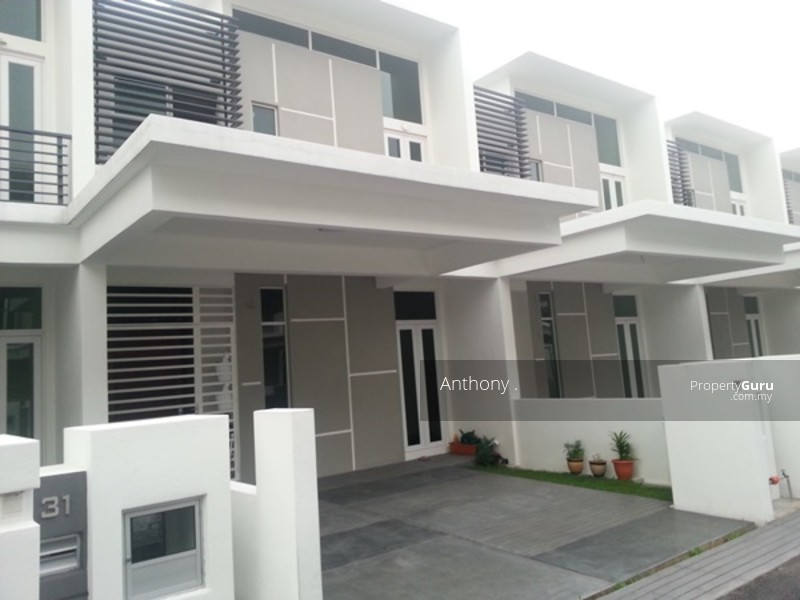 Triple storey terrace white lily glugor gelugor penang for Terrace white
