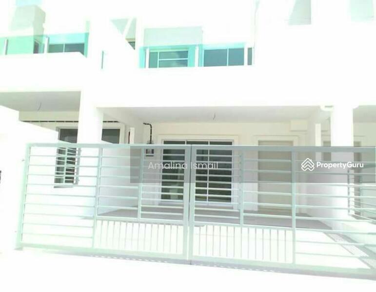 Double storey terrace house hijayu 3 alconix sendayan for 3 storey terrace house for sale
