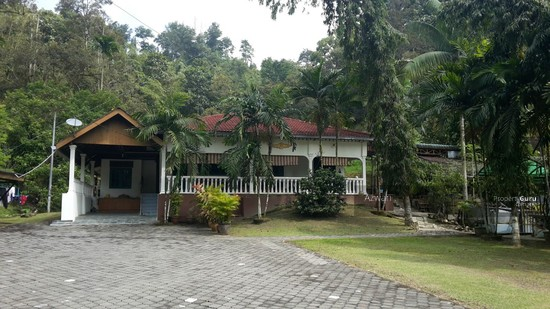 Single Storey Bungalow With Private Swimming Pool Kampung Kemensah Ulu Klang Jalan Zooview