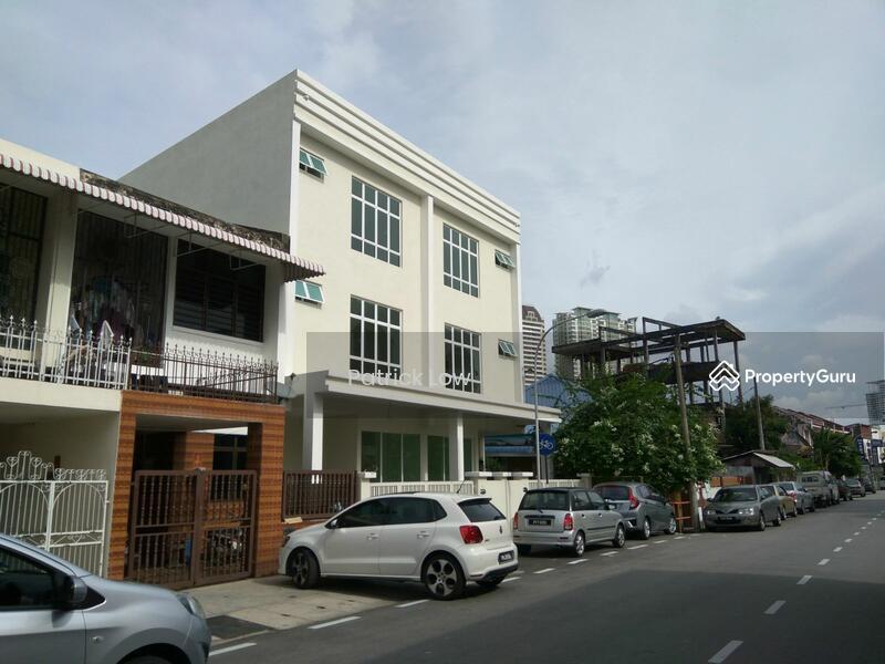 3 storey terraced house pahang road pahang road for 3 storey terrace house