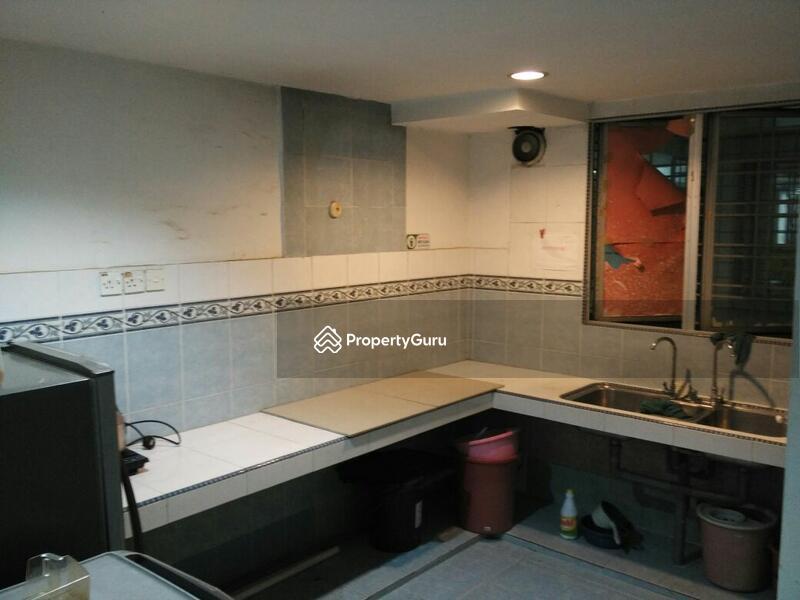 Petaling Condo Room For Rent
