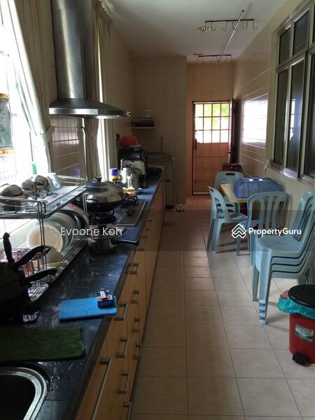 Bukit indah jln indah 10 bukit indah johor 4 bedrooms for I kitchen bukit indah