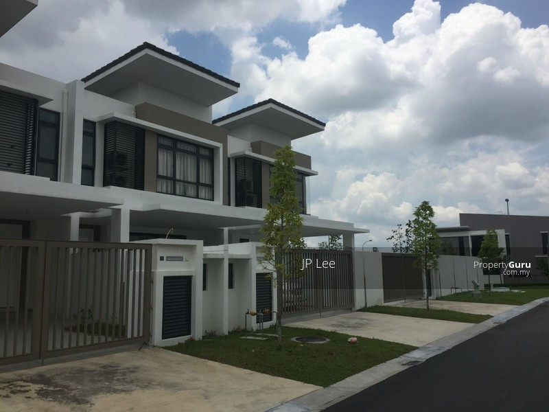 Horizon hills 2 storey link house for sale the valley for 2 storey house for sale