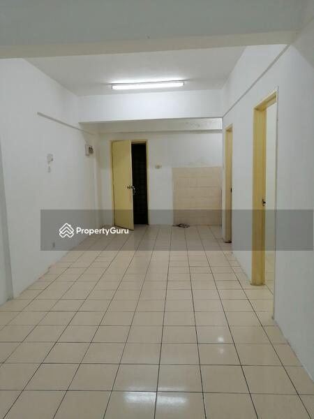 Puncak Desa Apartment #164783446