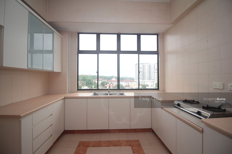 Vista heights condominium 11k jalan mariamah johor bahru johor bahru johor 5 bedrooms Master bedroom for rent in johor