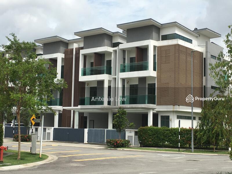 3 storey terrace house in puchong puchong kuala lumpur for 3 storey terrace house