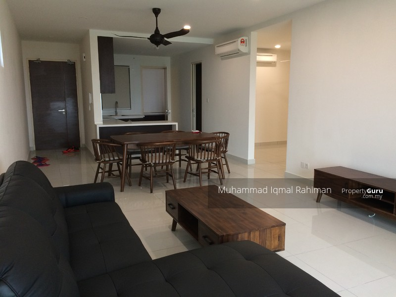 Isola Subang Room For Rent