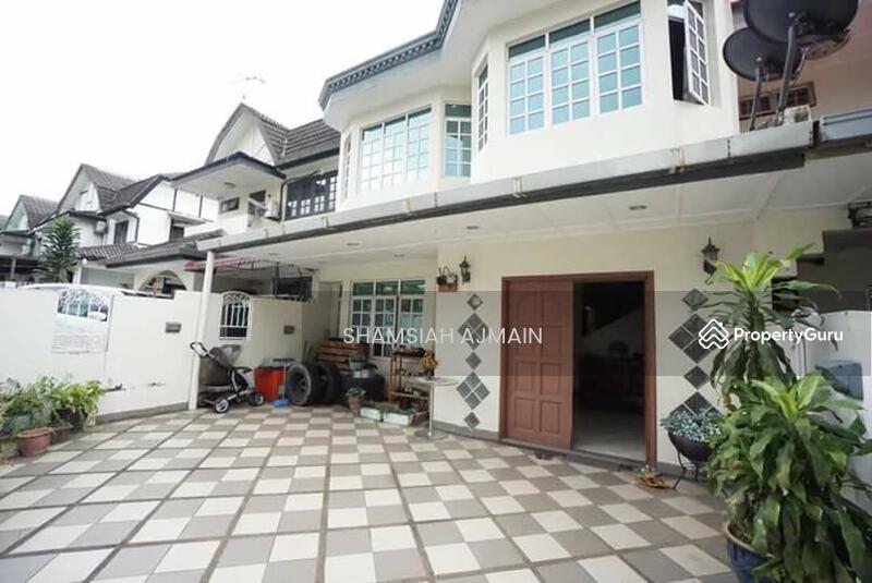 Double storey terrace jalan usj 4 3 usj selangor 4 for 3 storey terrace house for sale