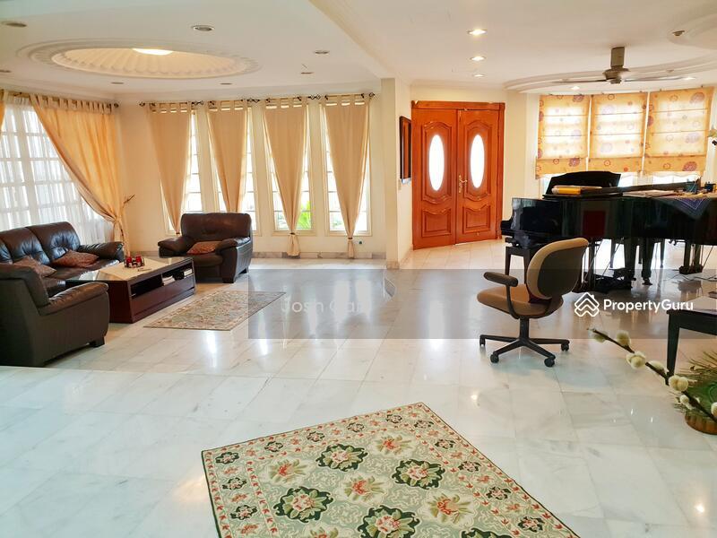 Corner Semi D With Large Land At Damansara Jaya #157630784