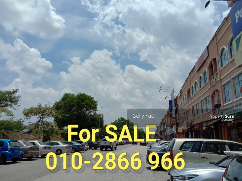 Bandar Puteri Puchong, Corner Shoplot For Sale RM5  3mil-Nego, Call Selly  010-2866 966