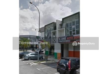 Dijual - 2 storey shop lot with ROI 5. 5%, Pusat perdagangan kempas