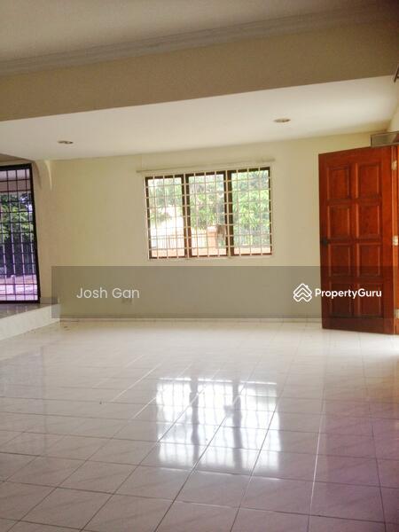 Well Kept Double Storey Corner In Damansara Jaya #157513230