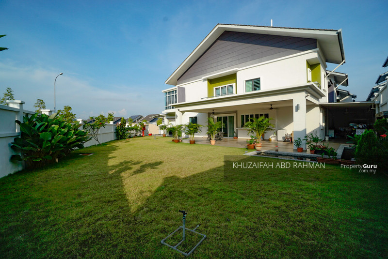 Renovated 2 storey semi detached saujana tropika huge land #134277042