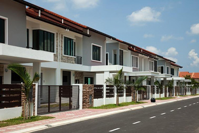 For Sale - FREEHOLD GATED AND GUARDED DOUBLE STOREY, ZERO DOWNPAYMENT 25% REBATES CHERAS