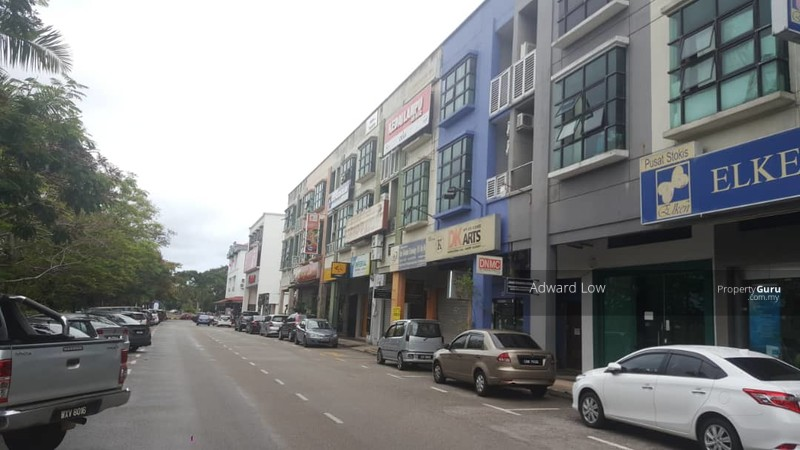 3 STOREY SHOP LOT AT LORONG TUN ISMAIL FOR SALE #136310160