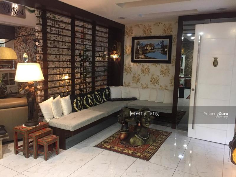 Beautiful 4 Storey Semi-D in Gated and Guarded Neighbourhood #138487086