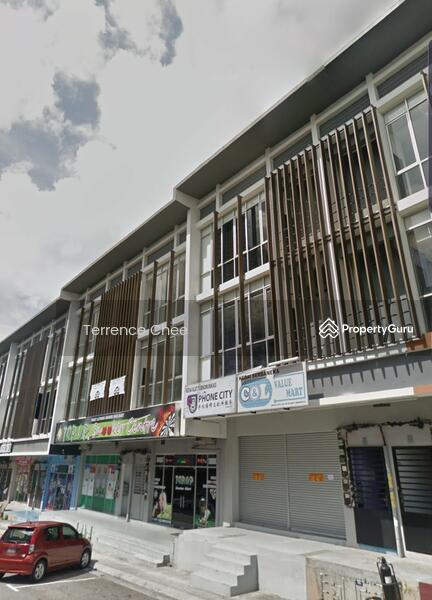 Three storey shop with ROI 4.3% @ taman cahaya kota putri #138572496