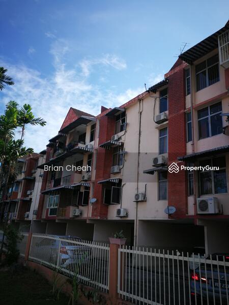 Manor Apartment #159698432