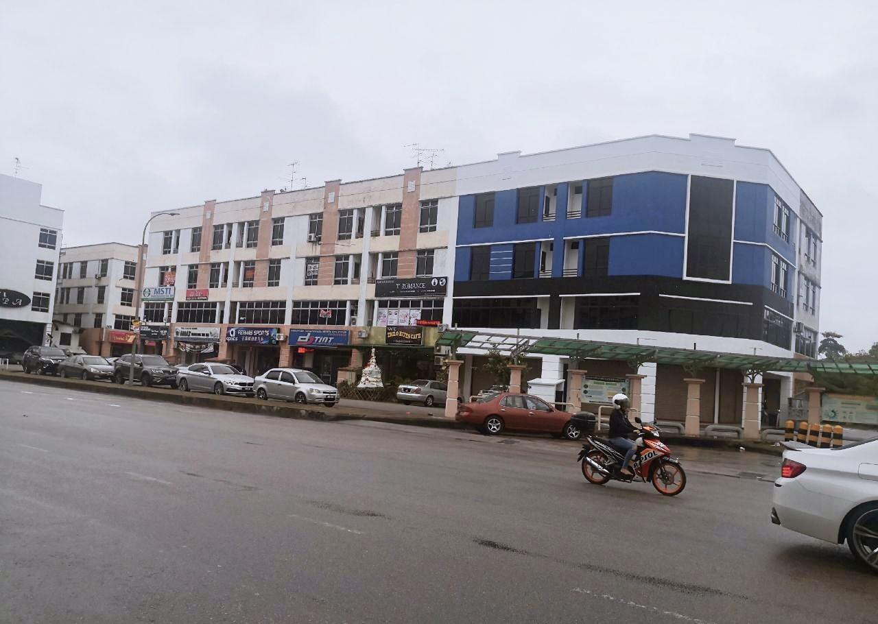 For Sale - Bandar Permas Jaya Shop Apartment (Can Full Loan + Lawyer Fee)