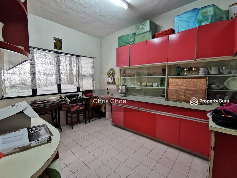 Corner Facing Park Jalan ss22/xx, Damansara Jaya, Petaling Jaya #156259274