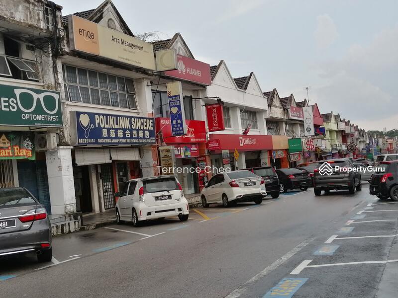 Double storey shop @ facing main road @ taman Universiti #147428508