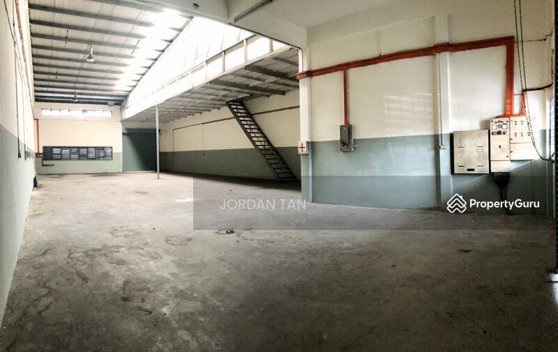 Desa Cemerlang - 1.5 Storey Terrace Factory #148136494