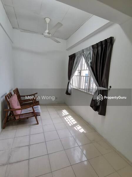 Puncak Desa Apartment #149346580