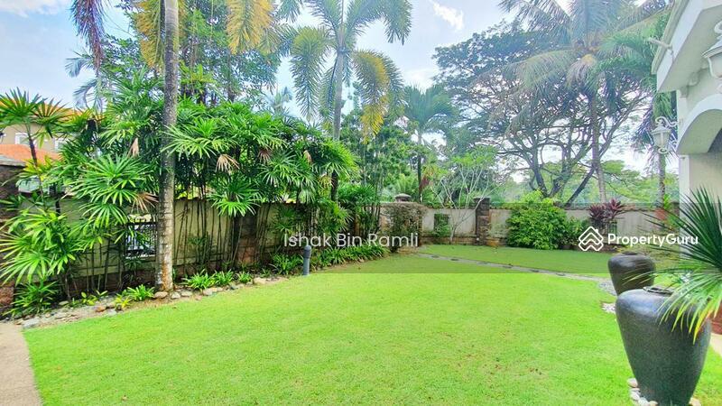 CORNER Bungalow House Bukit Jelutong #151706402