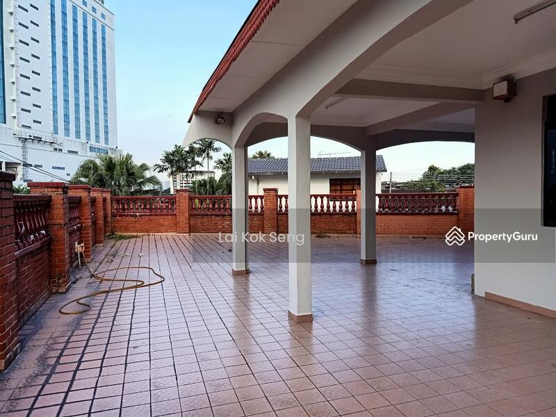 1 Storey Corner Lot House @ Jalan Rusa x, Taman Century, Johor Bahru, Johor. #153598742