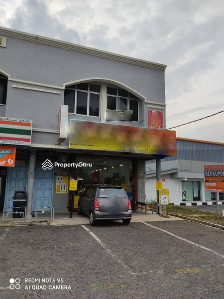 Two storey Shop Dungun, Kuala Trengganu , facing beach #154108176