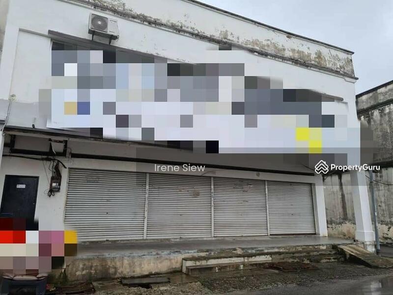 Rm550k nego Spacious Endlot Double Storey Shop good location Seremban Jaya #155553222