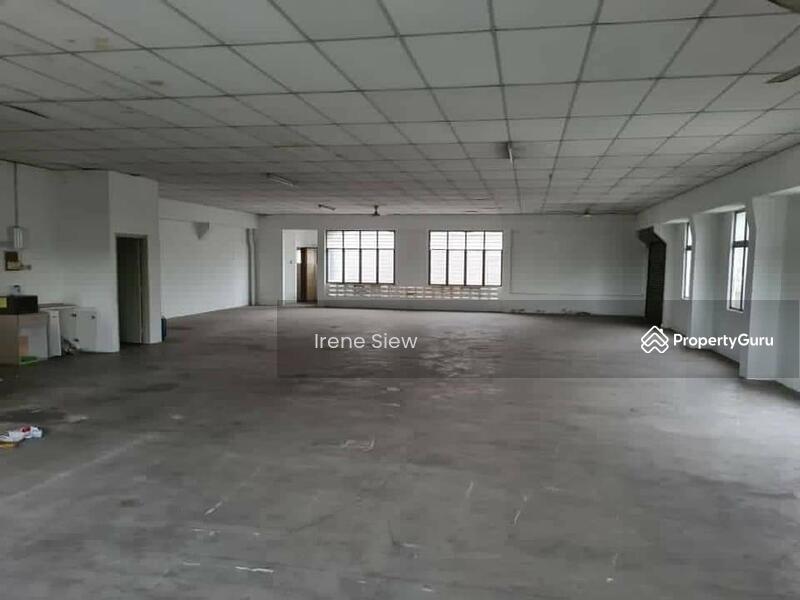 Rm550k nego Spacious Endlot Double Storey Shop good location Seremban Jaya #155553226