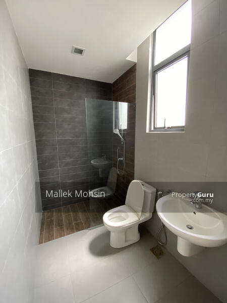 [3 storey Bungalow House with Lake and Forest View!] #158022006