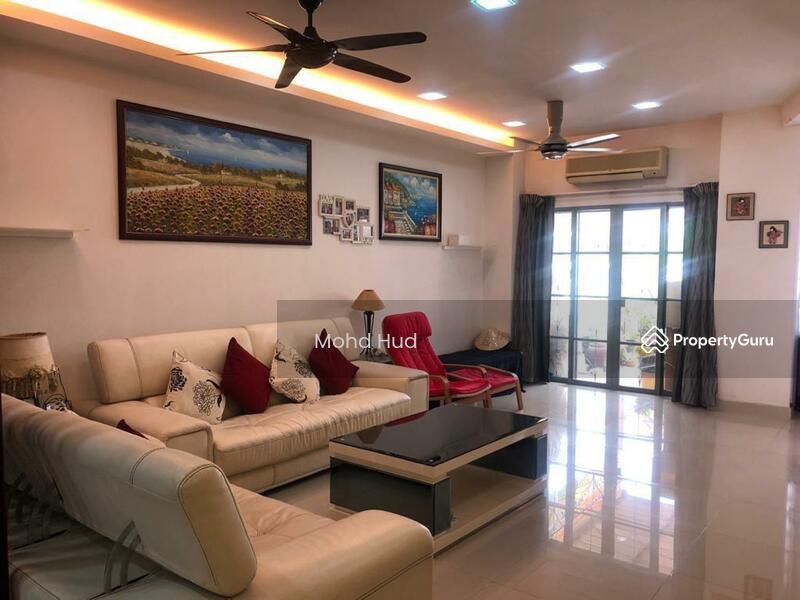 Nicely Renovated 2 Storey House, PJU 7, Mutiara Damansara #158391396