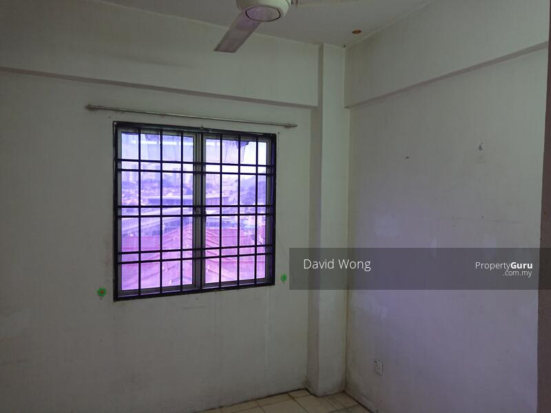 Puncak Desa Apartment #158437614