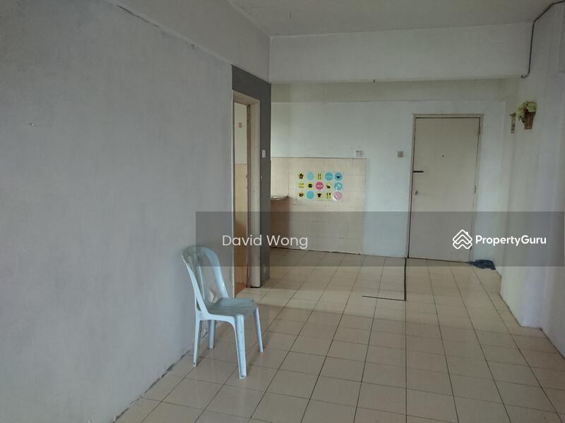 Puncak Desa Apartment #158437620