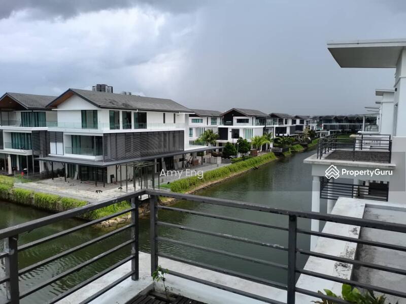 Senibong Isola Villa 3 storey Bungalow #159921758